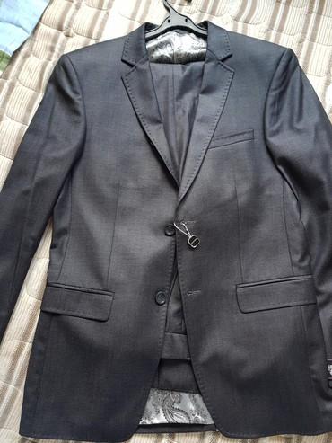 Мужской костюм 46 размер турция. новый брюки еще не подшиты в Бишкек