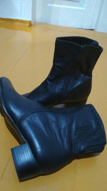 Женская обувь в Шопоков: Продаю полусапожки демисезонные.Размер 39-40. Одевали 2 раза.Неподошел