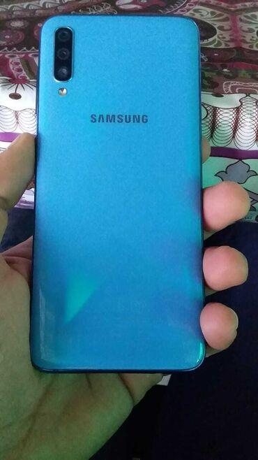 Электроника в Хачмаз: Б/у Samsung A70 8 ГБ Голубой