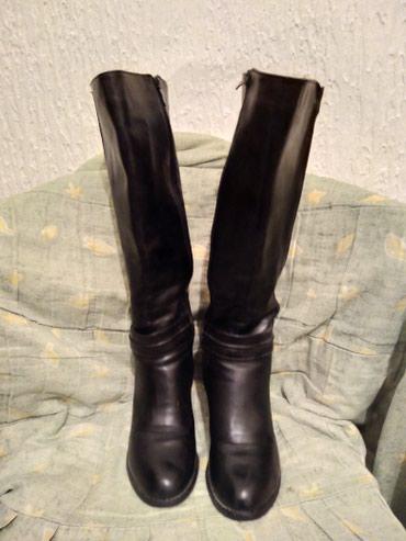 Crne čizme u super stanju br39,vrlo malo nosene,štikla7cm,deblja - Vranje