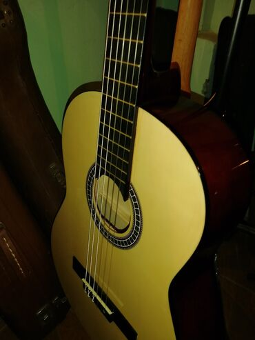 Гитары - Азербайджан: Teze klassik gitara