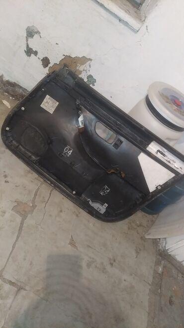 Автозапчасти и аксессуары - Ак-Джол: Двер левая сторона на Субару Легаси В4 боксер 3куб .абшывка 500