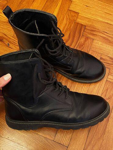 Женские ботинки,в хорошем состоянии,носили пару месяцев