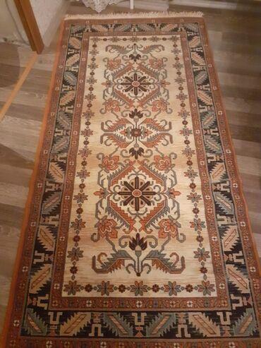 Satılır. xalça . turkiyenindir.Uzunu 2m. eni 1 metr qiymət 40 azn