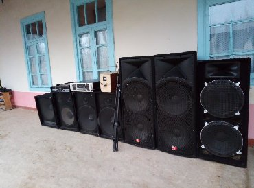 Динамики и музыкальные центры в Исфана: Продаётся аппаратура музыкальный 7 колонок. 2 усилителя. 1 пульт
