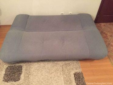 Prodajem 2 očuvana kauča sa slike. U dobrom su stanju, razvlače se - Belgrade