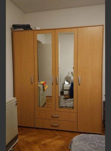Personalni proizvodi - Srbija: Prodajem komplet orman i sto za sobu, jedan četvorokrilni i jedan