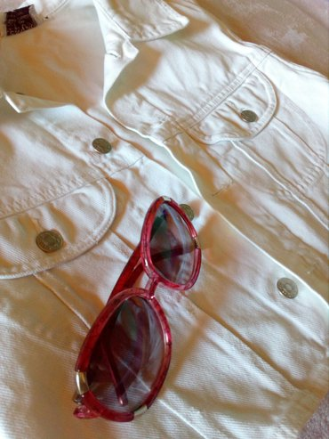Exte-naocare-za-sunce - Srbija: Retro beli prsluk + naocare*Prečisto bele boje, retro ali modernog