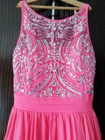 QUIZ roze svecana haljina, velicina M/L. Kao nova! Prelepa, bez