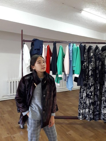 весенние куртки для девушек в Кыргызстан: Полушубки для деловых девушек!