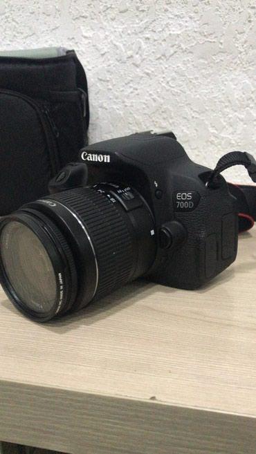 Продаю фотоаппарат canon 700d c 18-55 в в Бишкек