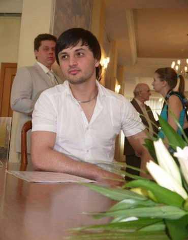İş Balakənda: Ali təhsil Moskva Dövlət İnstitut. 27 yaşım var.Rus ili əla bilirəm