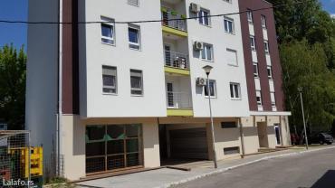 Prodajemo u lepom delu zemuna, retenzija,  prostor u novoj zgradi - Belgrade