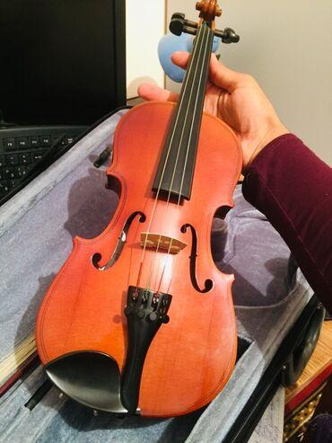 Скрипки - Кыргызстан: Продаётся Скрипка Valencia 1/2  Состояние идеальное 10/10 Кейс и напле
