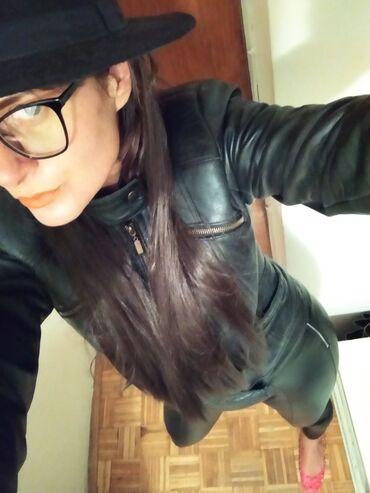 Kožna jakna, kupljena u Italiji. Nosim M, L iako piše da je XL meni je