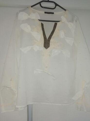 Max Mara bluza sa biserima i mašnama, 36 veličina. Po sastavu čist