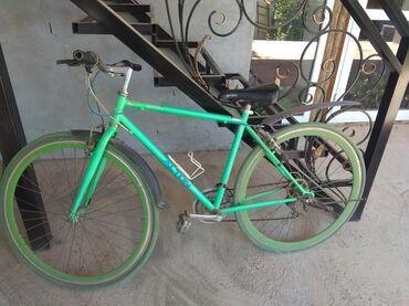 Спорт и хобби - Баткен: Продаю шоссейный велосипед. Состочние отличное. Находится в Баткене. Т
