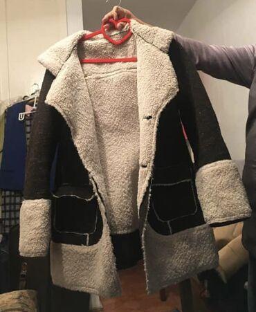 пальто женское зимнее бишкек в Кыргызстан: Женская парка дублёнка деми в отличном состоянии, с капюшоном. Произво