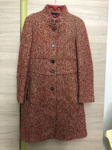 женский пальто в Кыргызстан: Оригинал! Как раз на весну! Продаётся твидовое пальто zara в отличном