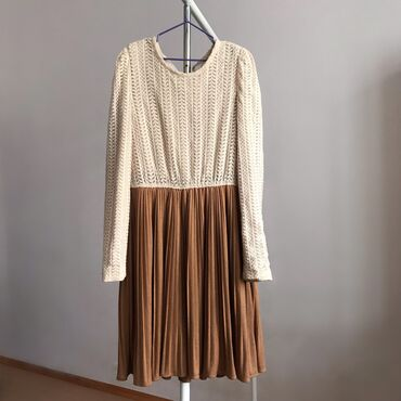 Тёплое практичное платье, Корея. Можно на осень, весну, можно и зимои