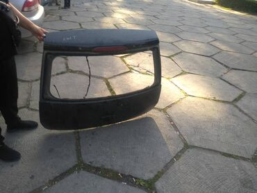 Продаю крышку от багажника мицубиси кольт 2003г