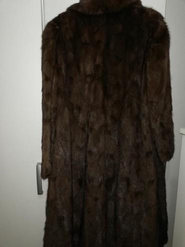 Ramena-cmduzina-rukava - Srbija: Zenska bunda ocuvana duzine oko 117 cm duzina rukava 58 cm ramena oko
