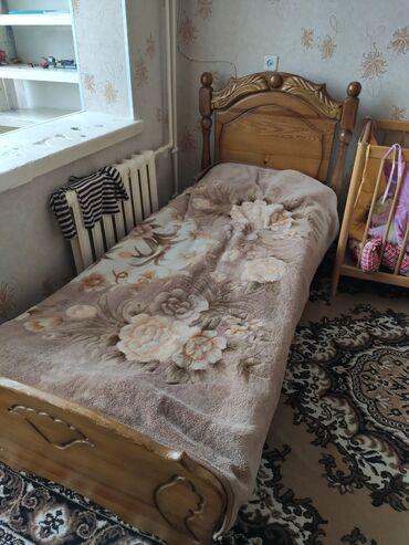 Детский мир - Таджикистан: Продаю кровати 1)деревянная 1 спалка,ручная работа 3500тыс сом2)