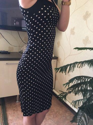 Шикарное приталенное платье, размер 42 в Бишкек