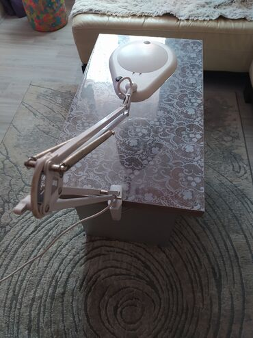Led lampa za sminkere nova je lampa sa lupom pitanja u inbox