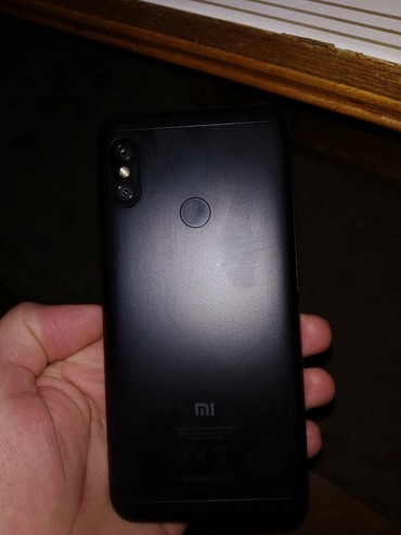 Xiaomi mi a2 lite 3 32gb top stanje full kutija oprema garancija jos - Crvenka