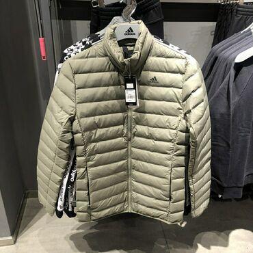 Лёгкий пуховик adidas размер s _44 на рост 165-170 и весс 53-56 кг оче