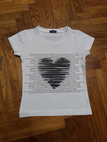 Kassker majica, velicina 4. Odlicno ocuvana. Ima zanemarljivu - Belgrade