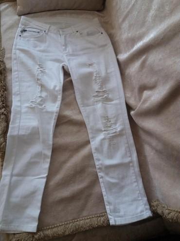 Şalvarlar Gəncəda: İstanbulda DeFacto'dan alinib. 36 beden. Yay ucun jeans walvar. Tep