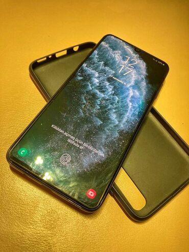 İşlənmiş Samsung A70 128 GB qara