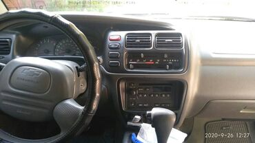 Chevrolet - Кыргызстан: Chevrolet Tracker 2.5 л. 2001   150000 км