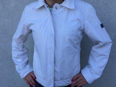 Prolecna jakna marka keno zvati na - Srbija: Prolecna jakna u odlicnom stanju. Velicina na njoj pise L ali je manji