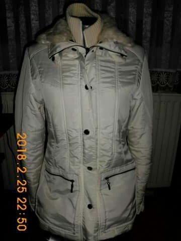 Zara zimska zenska jakna sa pravim krznom,jakna je bela,ali je na - Smederevo