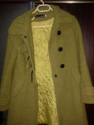 yaşıl qadın şalvarları - Azərbaycan: Qadin ucun yaşil rengli palto. Gelib gotureceksizse 35 azn