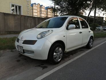 Nissan March 1.5 л. 2002