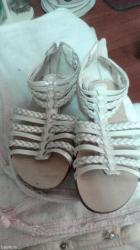 Preslatke sandale. Br. 30 unutrasnja duzina 19,5cm - Pancevo