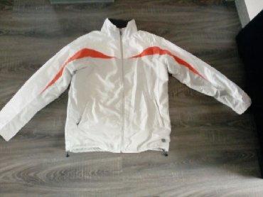 Velic-da - Srbija: Andi gornji deo trenerke, a moze da se nosi i kao jakna. Velicina L i