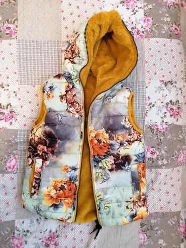 Dečije jakne i kaputi | Cuprija: Termo prsluk za devojčice, sa dva lica. Veličina 6-8god