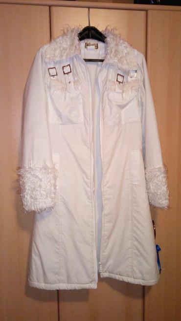 Bela jakna do kolena, postavljena, ocuvana, 38 - Beocin