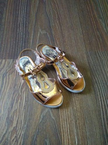 сандалии 27 размер в Кыргызстан: Басоножки на девочку на липучки,27 размер