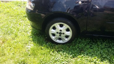 Auto delovi - Krusevac: Felne aluminijumske za punta sa ili bez guma