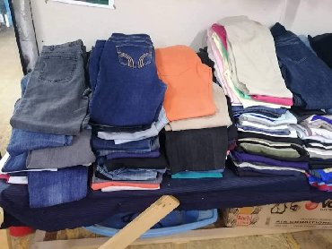Pantalone zenske - Srbija: Dzak pantalona za dalju prodaju! Mesane velicine zenske! 20 kom. 2.000
