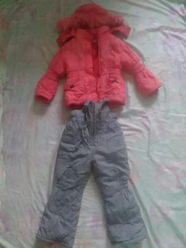 детские осенние комбинезоны для девочек в Кыргызстан: Продаю детский комбинезон для девочек лет 4-6 в отличном состоянии