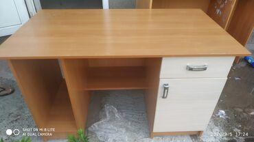 компьютеры за 5000 в Кыргызстан: Продаю компьютерный/ученический стол с полками.Состояние