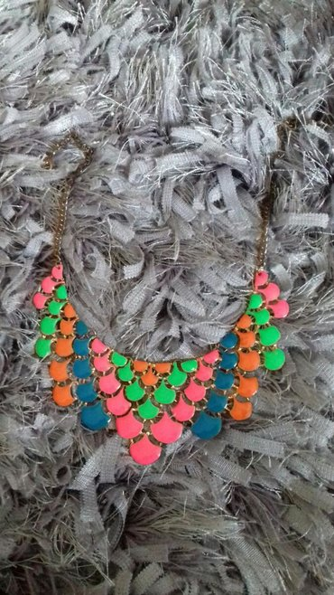Ostalo | Nis: Dve ogrlice 500