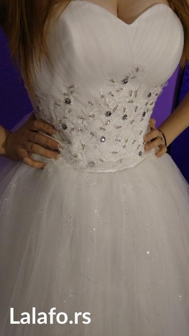 Nova nekorišćena venčanica. Podesive veličine jer se na leđima - Kosovska Mitrovica